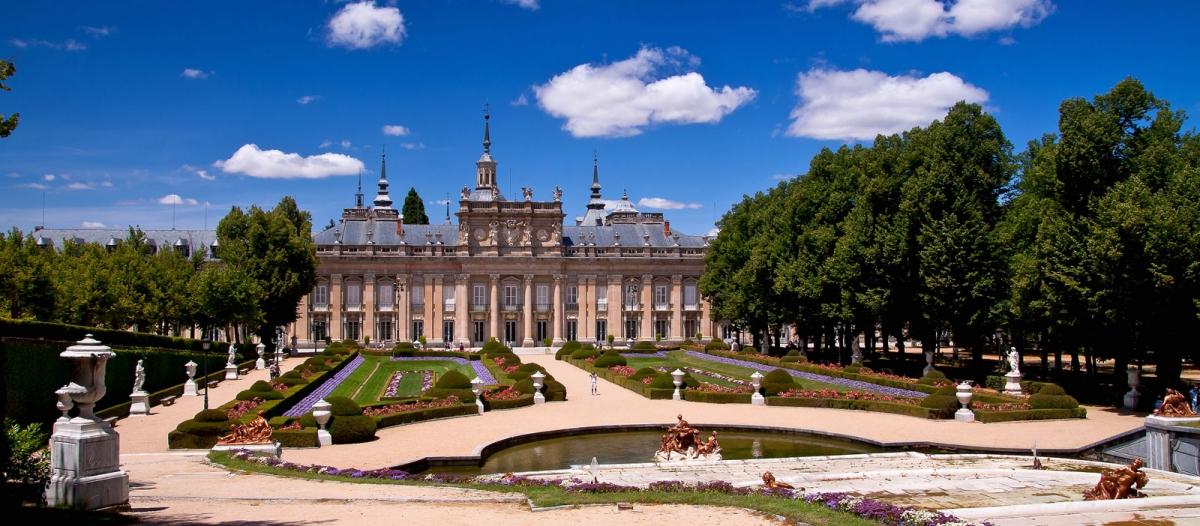 Palacio Real de La Granja de San Ildefonso - 74 km