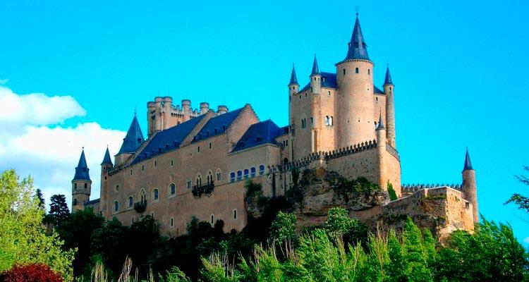 Alcázar de Segovia - 80 km